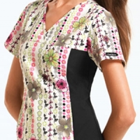 womens-cherokee-flexible-v-neck-print-top